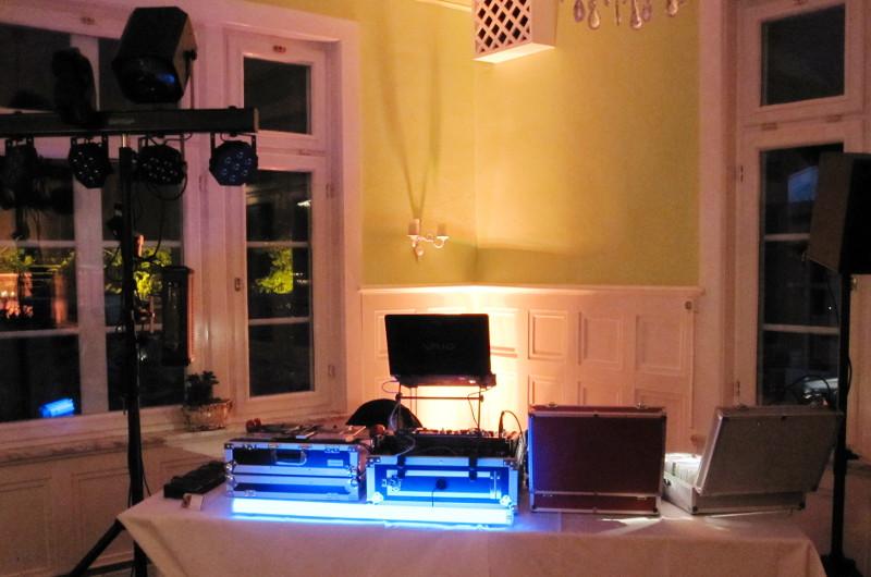 Beispiel einers Technikaufbaus für eine kleinere Feier